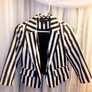 Forever 21 Black and white striped blazer - Small